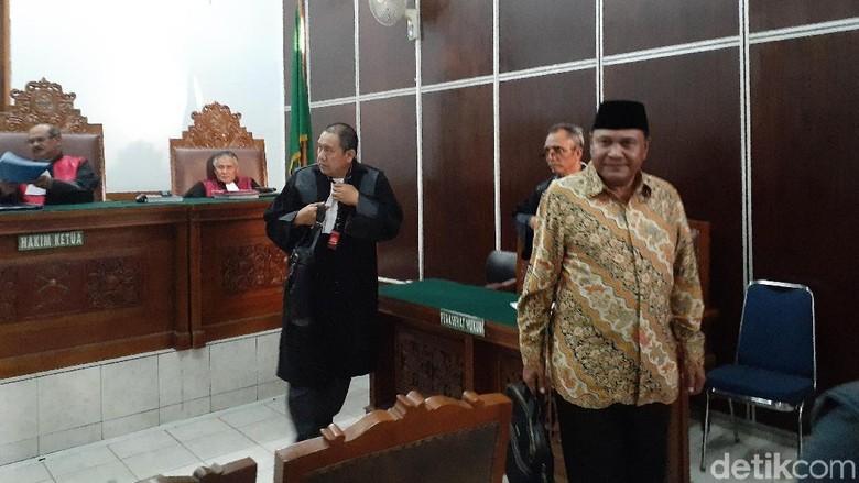 Divonis 1,6 Tahun Penjara Kasus Penipuan, Eks Gubernur Aceh Abdullah Puteh Banding
