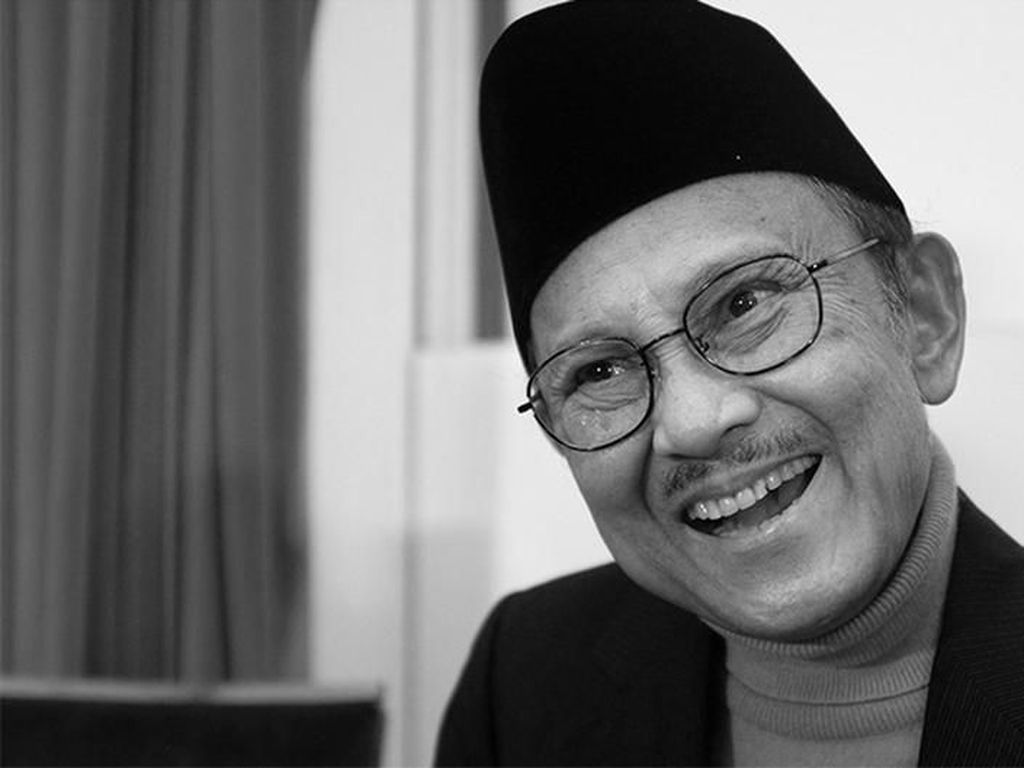 Dirgantara Indonesia Mengenang Kejeniusan BJ Habibie