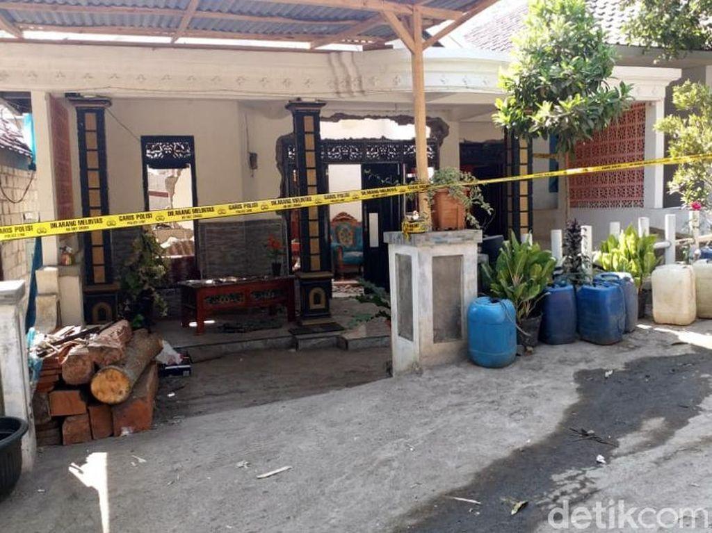 Penampakan Rumah yang Rusak Imbas Ledakan Bom Ikan di Pasuruan