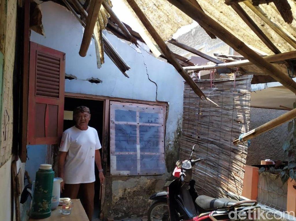 Rumah Terancam Roboh, Maestro Mamaos Cianjur Ngungsi ke Gedung Seni