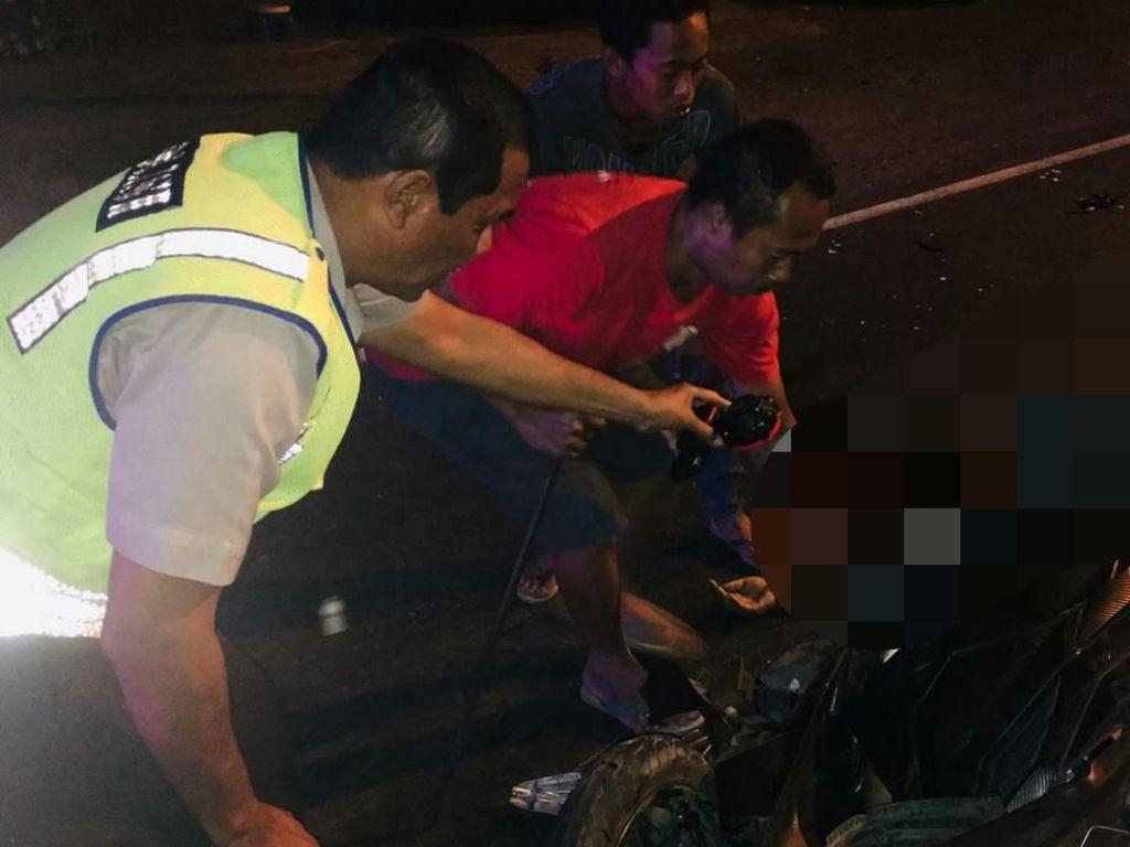 Truk dan Motor Matik Tabrakan di Tulungagung, Satu Orang Tewas