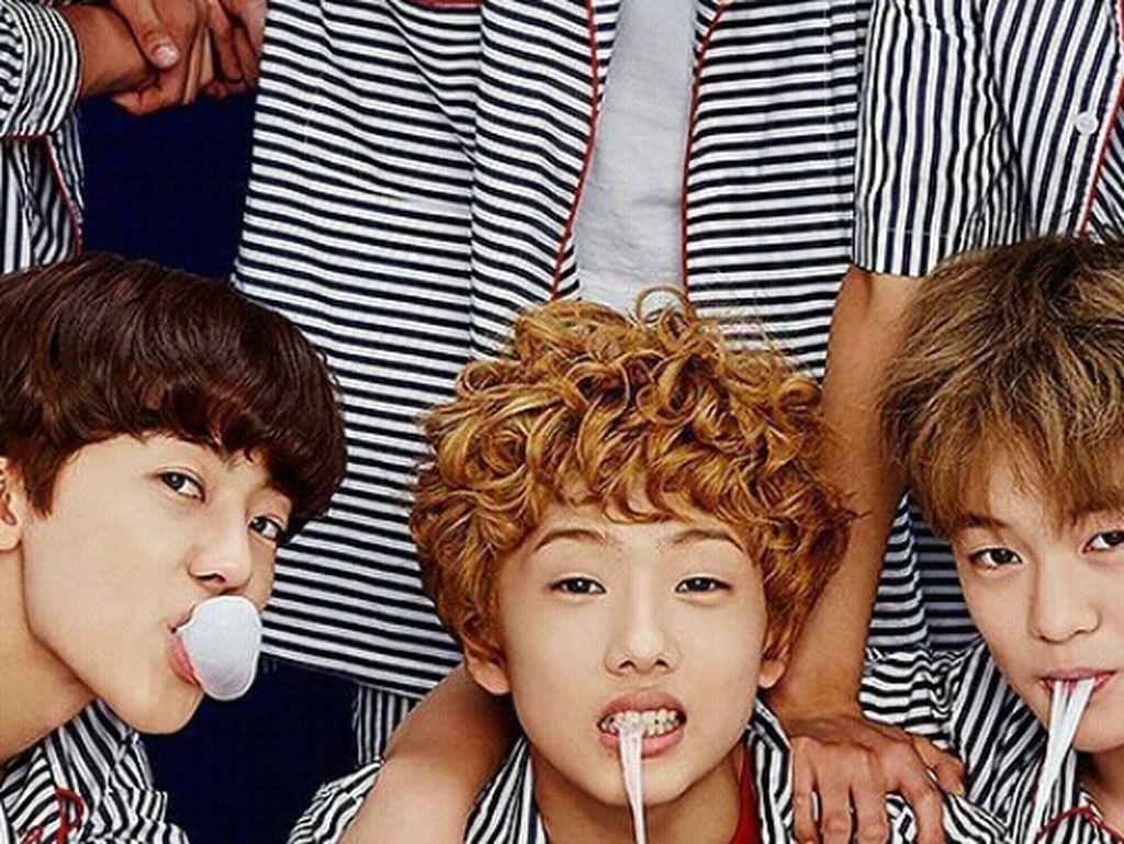 Ini Pose Keren dari Semua Anggota Boyband Korea Saat Kulineran