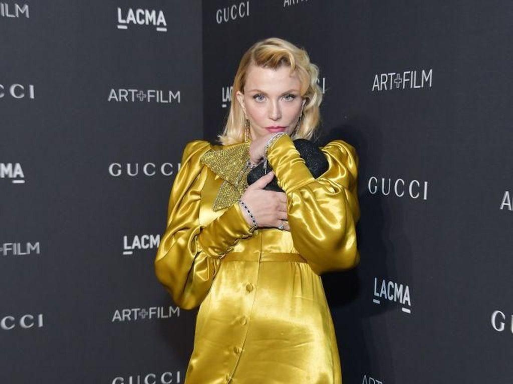 Courtney Love Tolak Rp 1,4 M Buat Tampil di New York Fashion Week