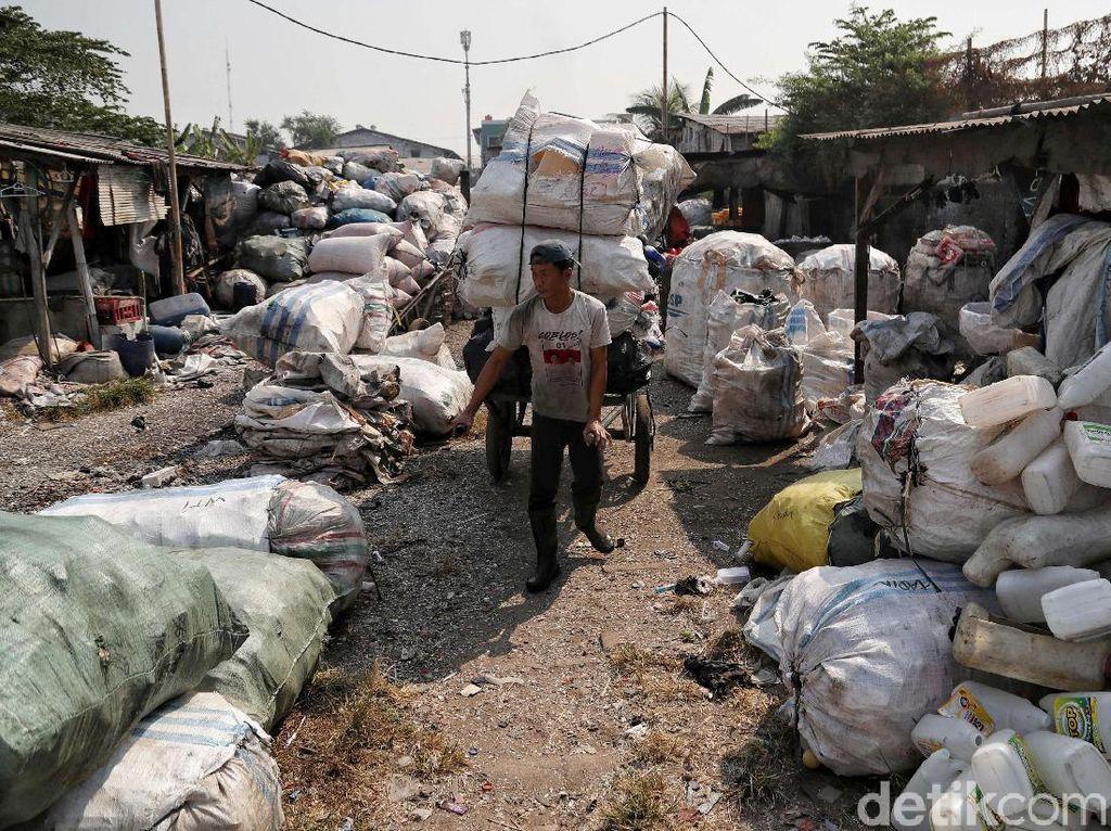 Mengubah Sampah Mendulang Rupiah