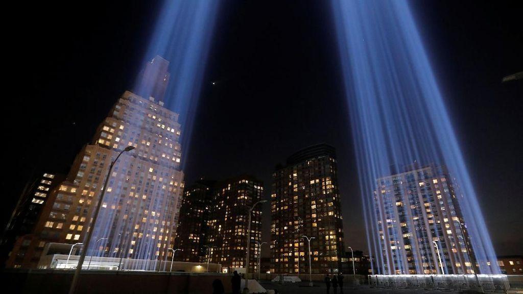 Potret Cahaya Kembar di Peringatan 18 Tahun Tragedi 9/11
