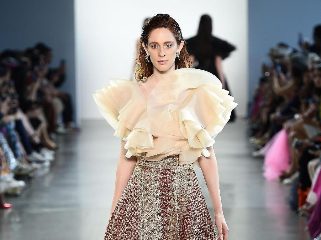 Inilah 15 Karya 4 Desainer Indonesia di New York Fashion Week 2019