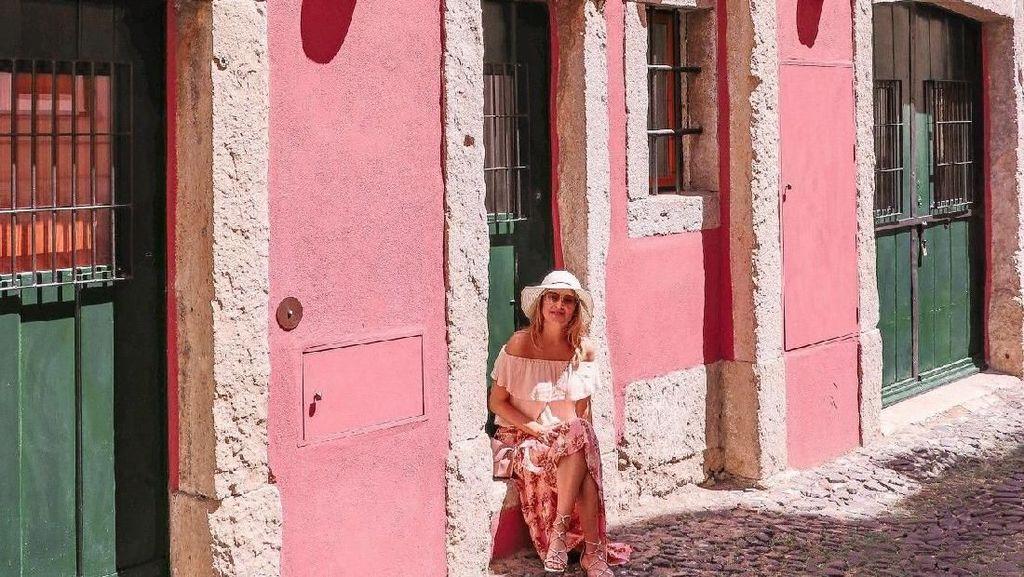 Di Lisbon Ada Tur Makanan Serba Merah Muda di The Pink Street