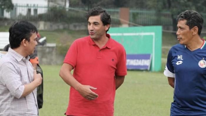 pelatih baru Semen Padang Eduardo Almeida