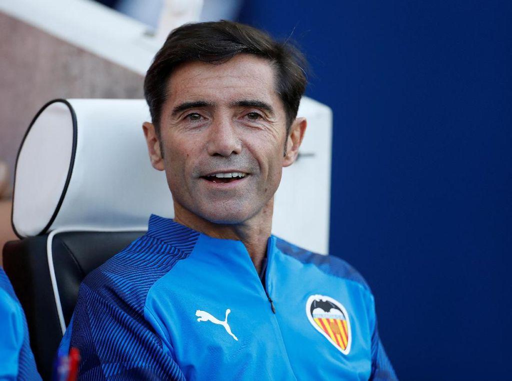 Valencia Pecat Pelatih