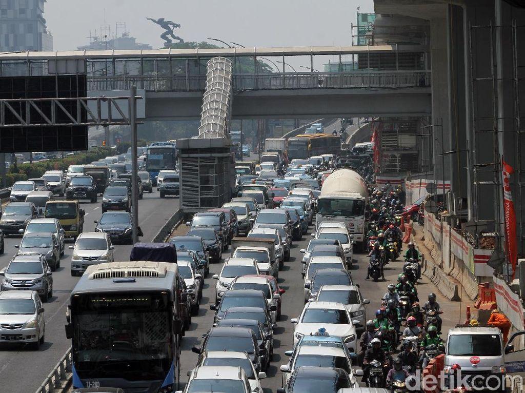 Curhat Penumpang TransJakarta Berjam-jam dari Bekasi