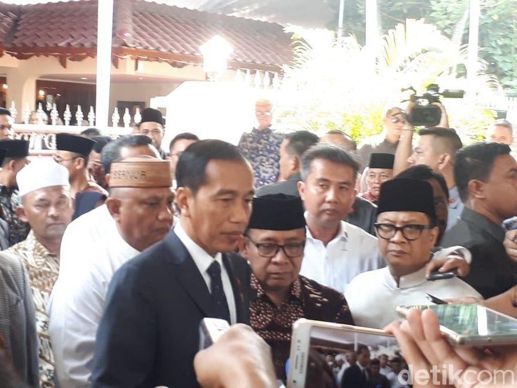 Jokowi: Penghormatan Besar, Saya Jadi Irup Pemakaman Habibie