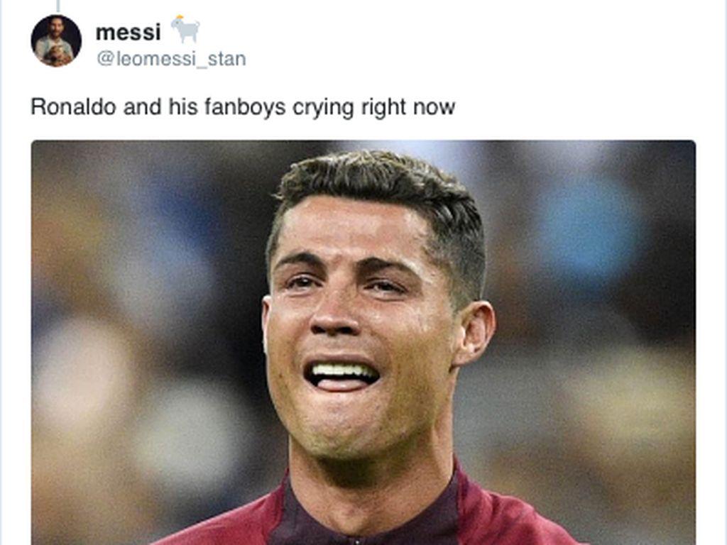 Meme Kocak Ronaldo Nangis Diungguli Messi di FIFA 20