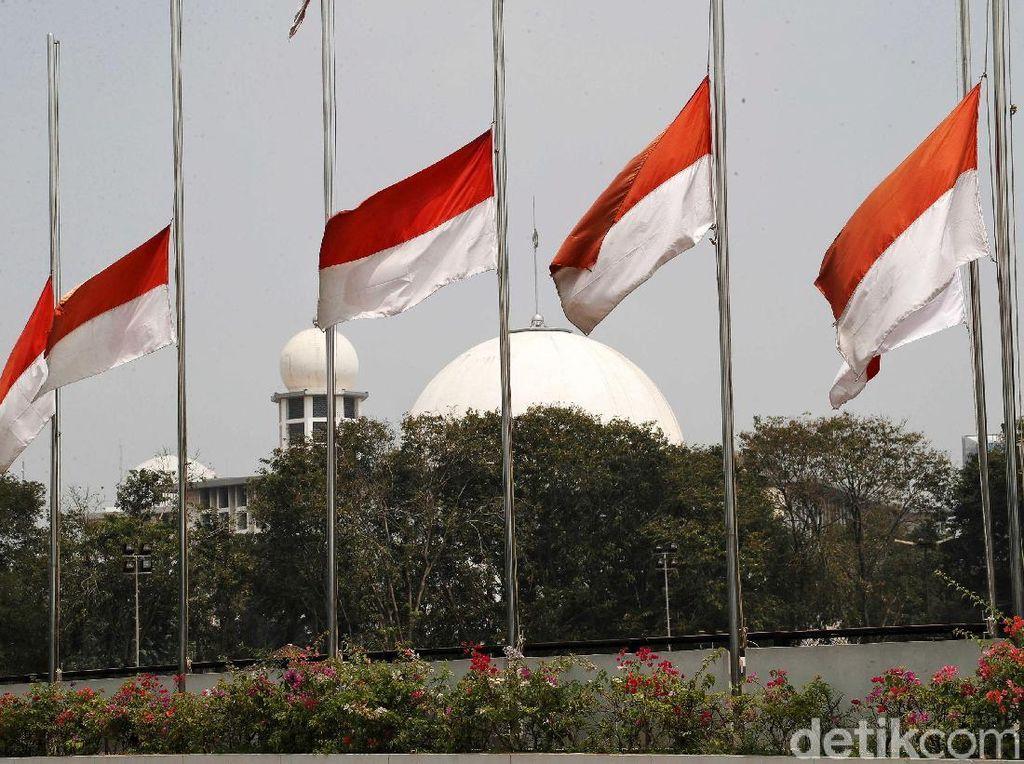 Mendikbud Minta Masyarakat Kibarkan Bendera Setengah Tiang 30 September