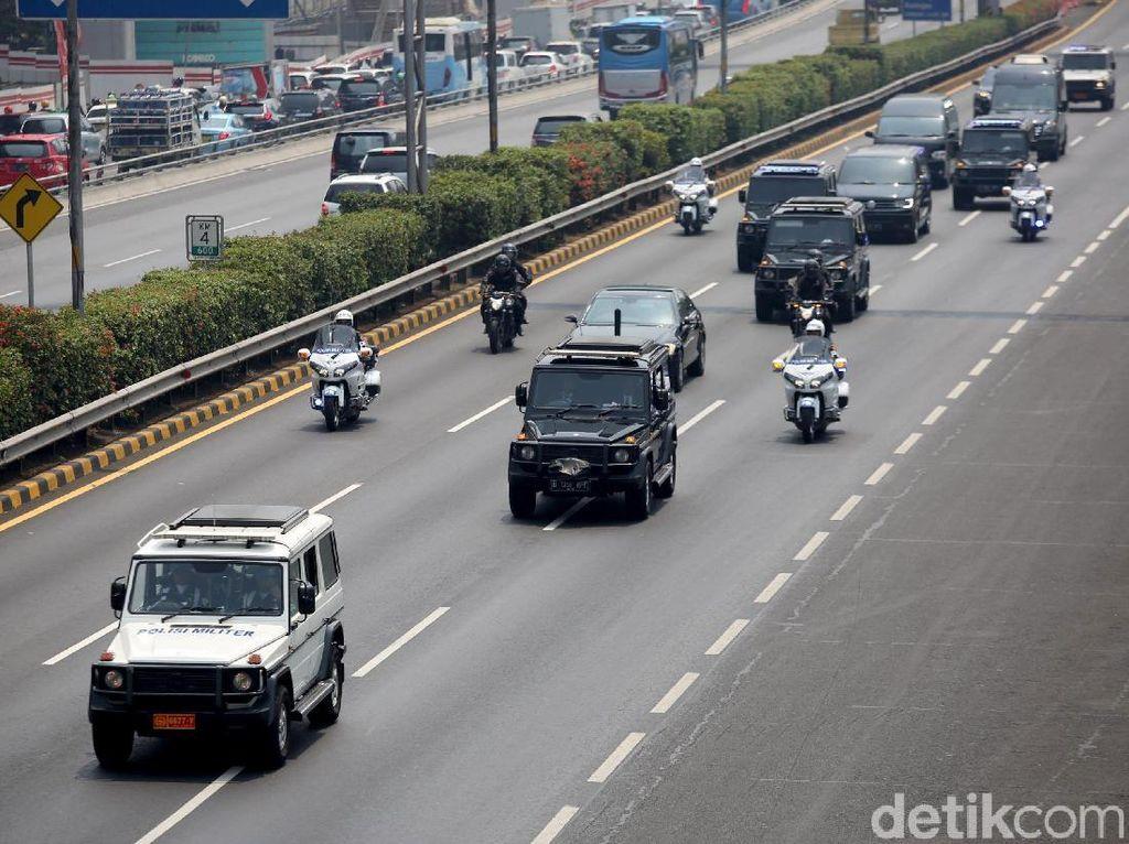 Video Momen Iring-iringan Jokowi Menuju Kompleks Parlemen
