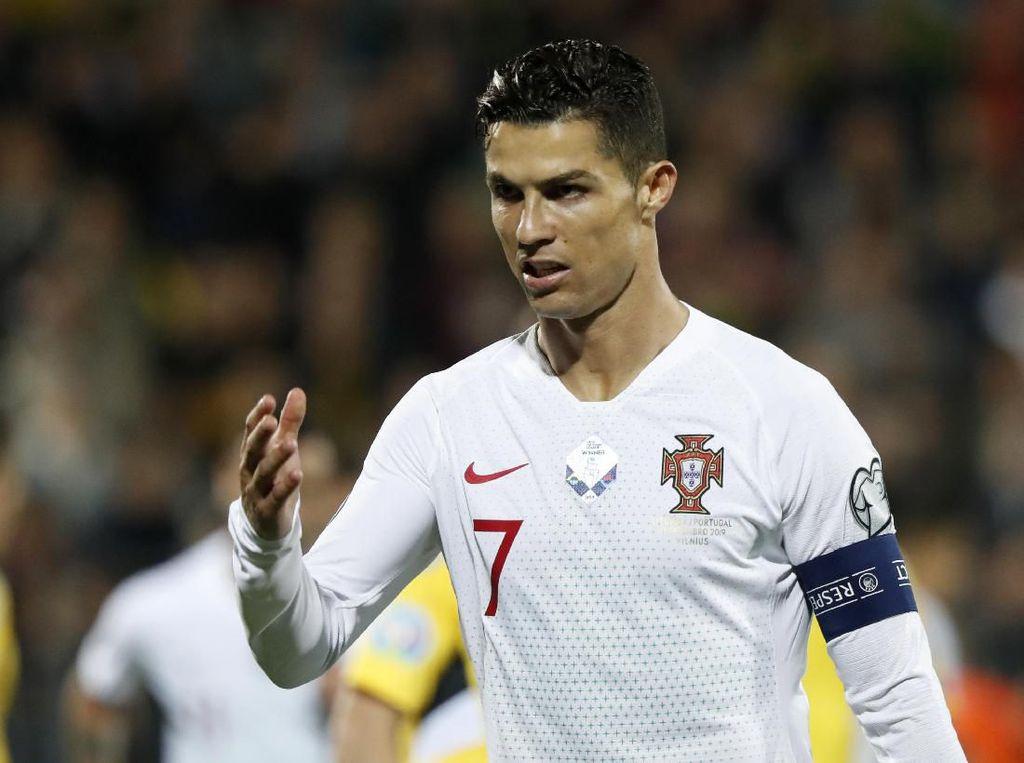 Rekor Golnya Diancam Cristiano Ronaldo, Apa Kata Ali Daei?