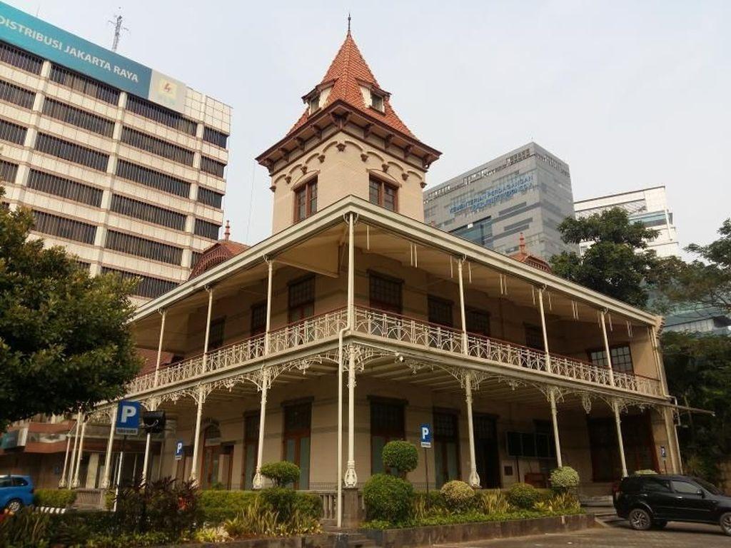 Menikmati Jakarta Lewat Wisata Bangunan Sejarah
