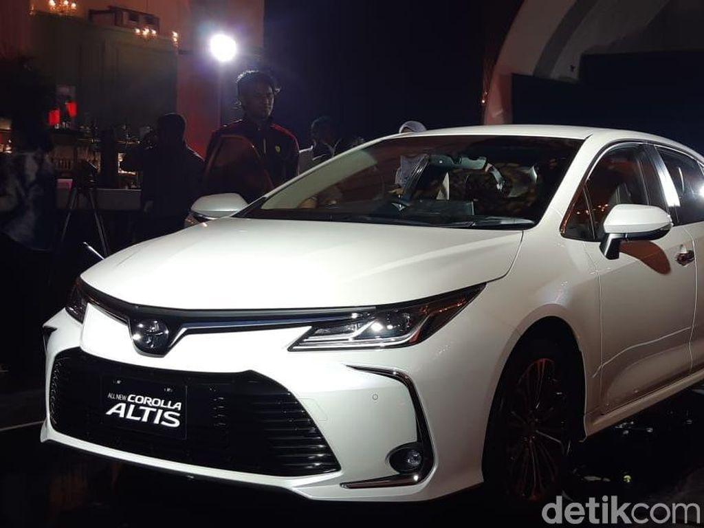Rapor Uji Tabrak Toyota Corolla Altis