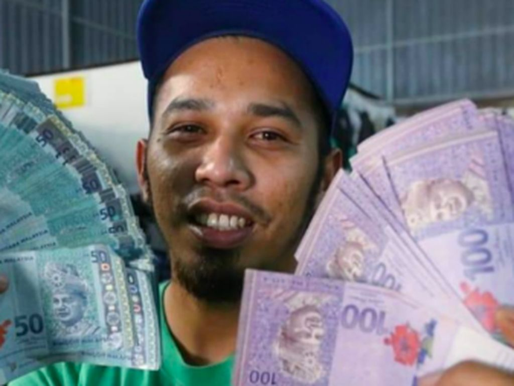 Sungguh Beruntung, Pria Beli Jas Bekas di Pasar Loak Dapat Uang Rp 56 Juta