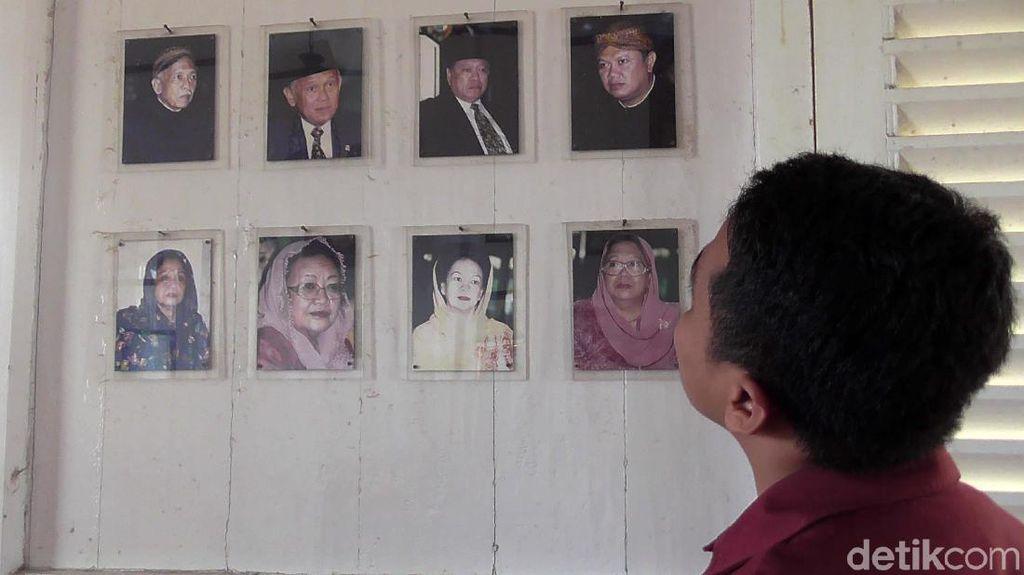Melihat Foto-foto Kenangan Keluarga Besar BJ Habibie