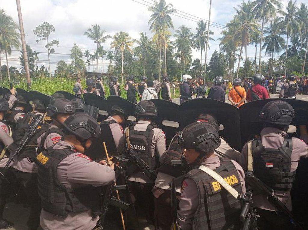 Wagub: Pasukan TNI-Polri di Papua Barat Jaga Keamanan, Warga Jangan Panik