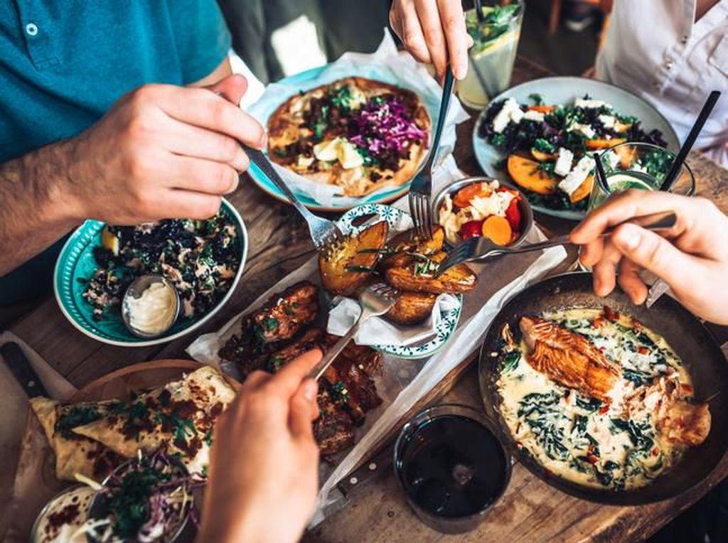 Hindari 5 Asupan Ini Saat Makan Siang Jika Tak Ingin Sakit Kepala