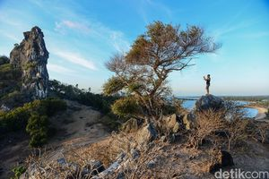 Terpukau Indahnya Pemandangan Batu Termanu di Pulau Rote