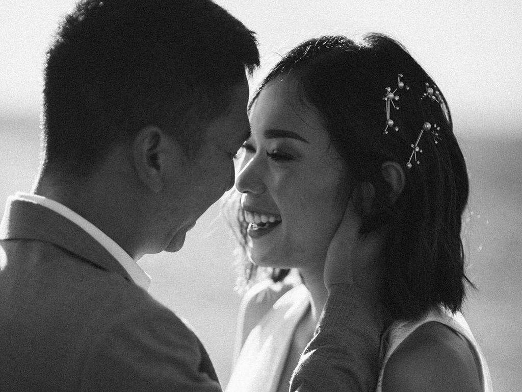 Cerita Inspiratif Ayla Dimitri yang Pernah Merasa Telat Menikah