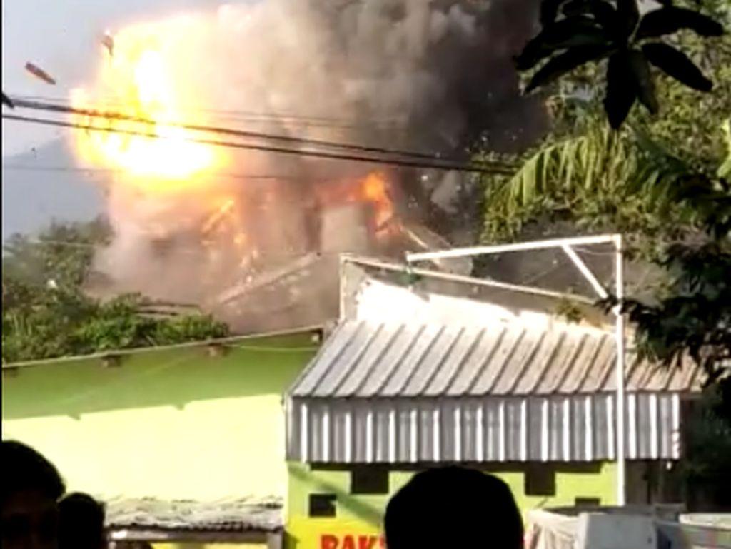 Gudang Bahan Peledak Brimob Semarang Meledak, Begini Kesaksian Warga