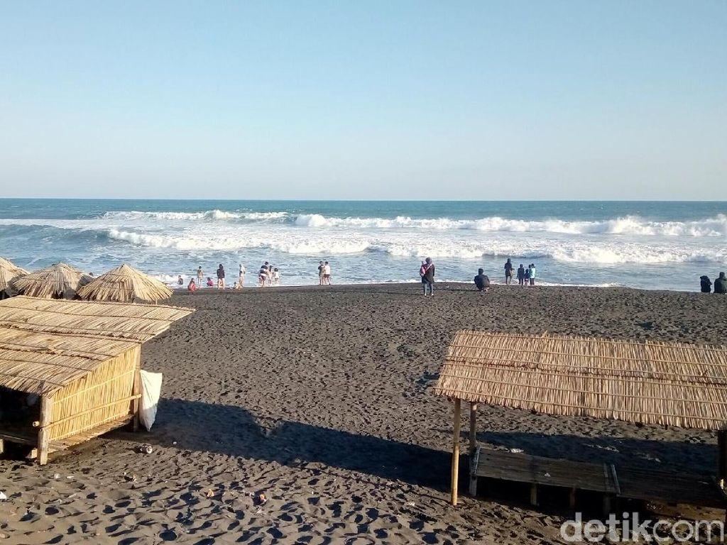 Waspada! Gelombang Tinggi Terjadi di Perairan Selatan Jawa