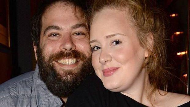 Simon Konecki dan Adele