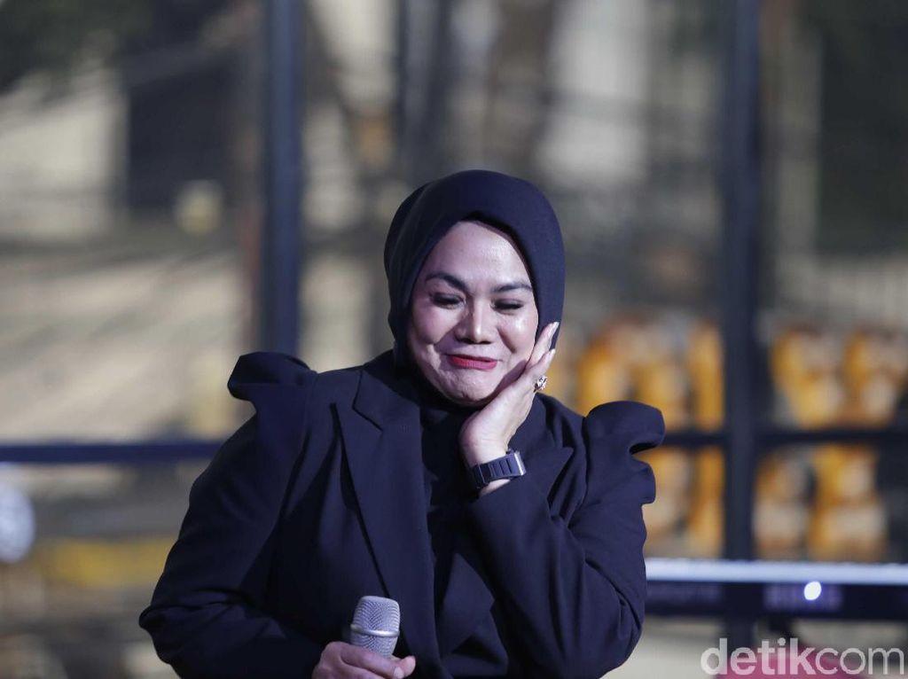 Sarita Abdul Mukti Ngaku Takut Sama Vicky Prasetyo, Kenapa?