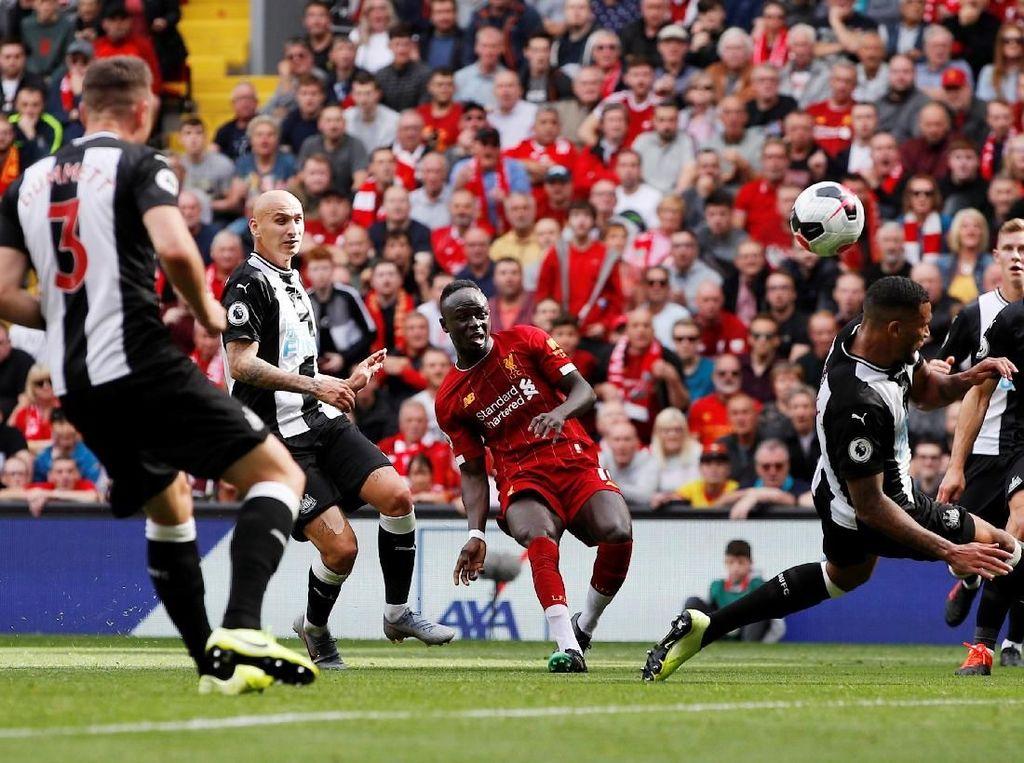 Mane Dua Gol, Liverpool Ungguli Newcastle 2-1 di Babak I