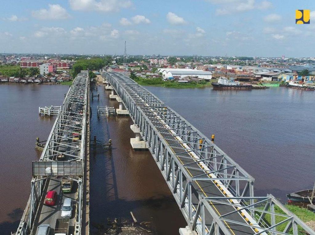 Bangun Jembatan Kembar, Jurus PUPR Tambah Akses Jalan di Kalbar
