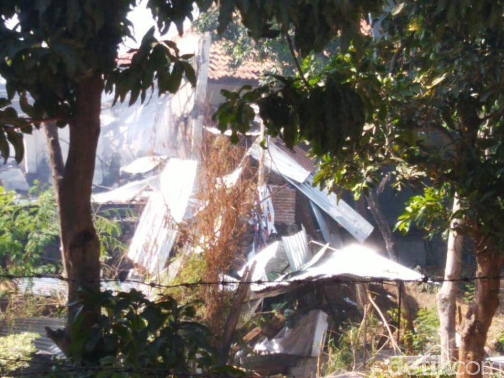 Video Potret Kerusakan Akibat Ledakan Gudang Amunisi di Semarang