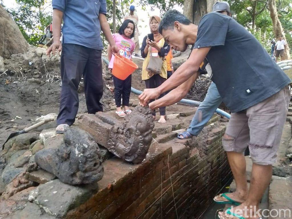 Ekskavasi Digelar di Jombang, BPCB Temukan 2 Pancuran Berbentuk Kepala Naga