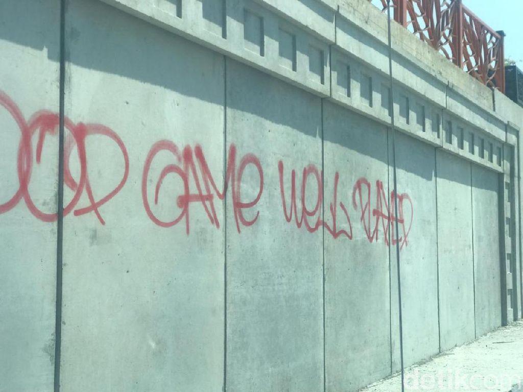 Aksi Vandalisme Nodai Underpass Karanglo Malang