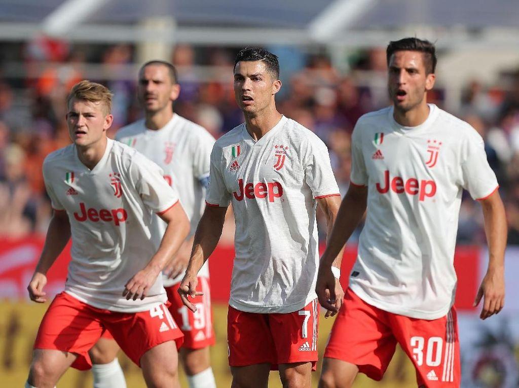 Fiorentina Vs Juventus: Bianconeri Main Jelek