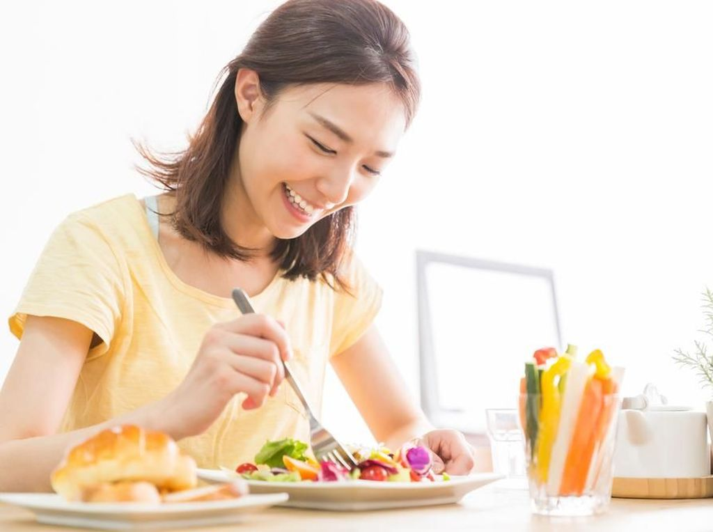 Jaga Tubuh Tetap Bugar dengan 5 Tips Makan Sehat Ini