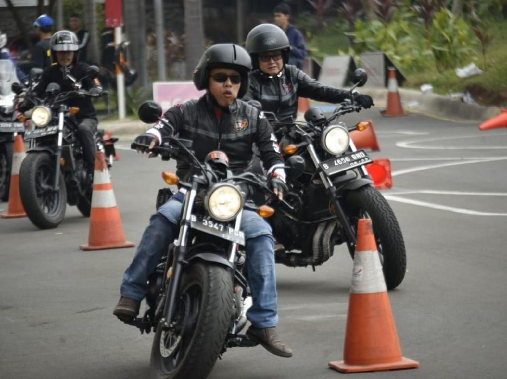 Bikers Moge Honda Berlatih Safety Riding