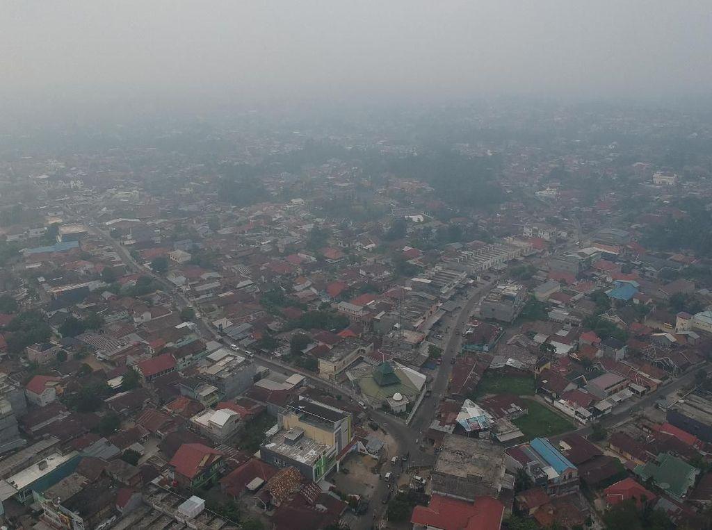Dikepung Asap, Tanjung Jabung Jambi Akhirnya Diguyur Hujan