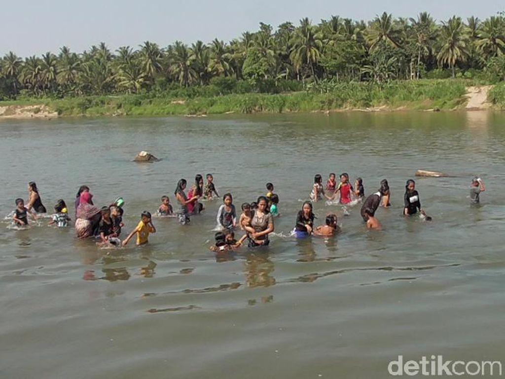 Potret Tradisi Rasa Syukur Panen di Sulawesi Barat