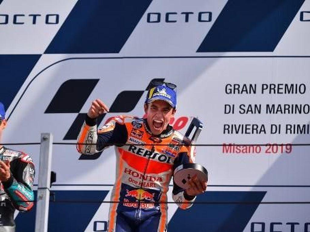 Marquez Disoraki Pendukung Rossi di Podium Juara MotoGP San Marino