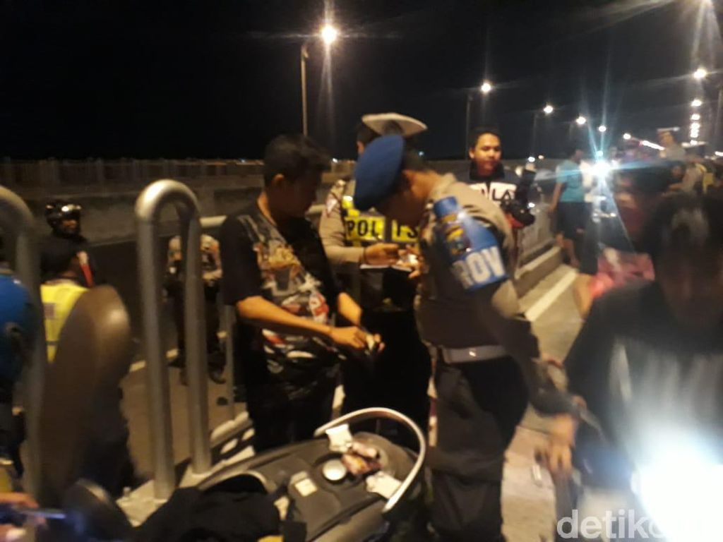 Puluhan Motor Diamankan Saat Razia di Jembatan Suramadu