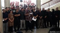 Tolak Revisi UU KPK, Sivitas UGM Kenang Pilih Jokowi karena Akal Sehat