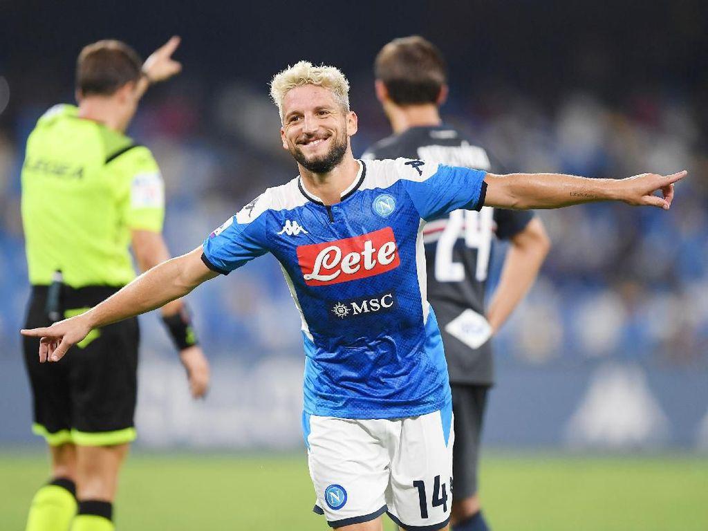Napoli vs Sampdoria: Dua Gol Mertens Bawa Partenopei Menang 2-0
