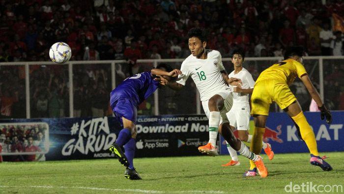 Timnas Indonesia U-16 diminta untuk tak jemawa oleh Bima Sakti. (Foto: Rifkianto Nugroho)