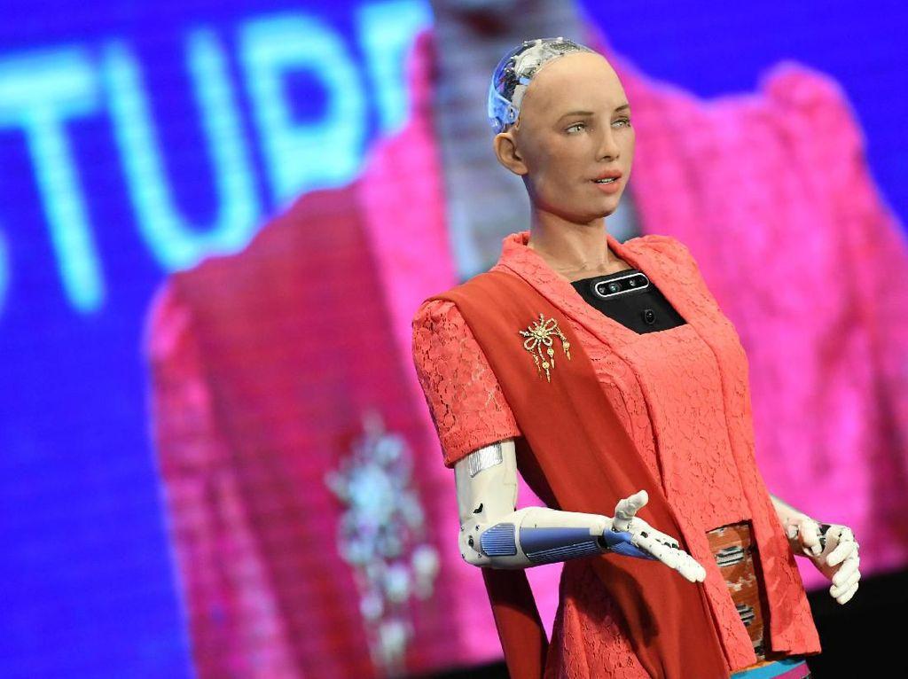 Saat Robot Sophia Nimbrung di CSIS Global Dialogue