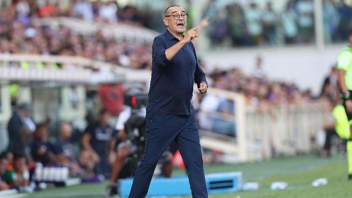 Maurizio Sarri dianggap sebagai pelatih yang suka cari-cari alasan jika tak menang. (Foto: Gabriele Maltinti/Getty Images)