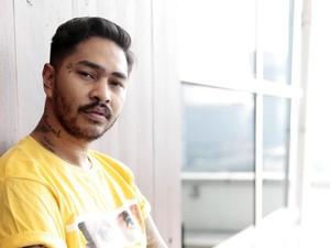 Dikira Gay, Onadio Leonardo Kerap Diajak Kenalan Pria Six Pack