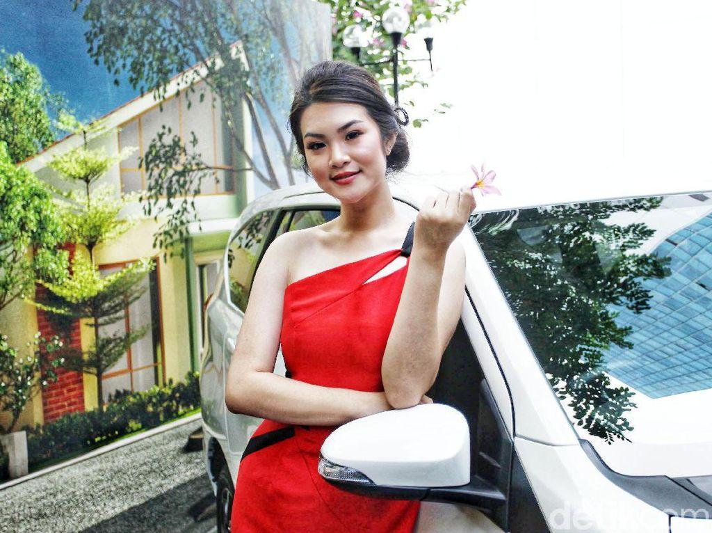 Gadis Cantik di Peluncuran Toyota New Calya